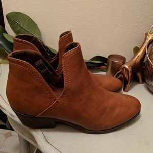 Chestnut Brown Leather Ankle Boots (Size 8.5)